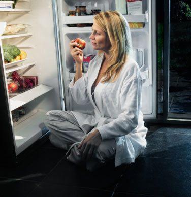 10- Yatmadan iki saat önce yemek yemeyi bırakın.  11- Günlük ek multivitamin alın.  12- Yemekleri ve atıştırmaları her lokmanın tadına vararak yavaş yavaş yiyin. Açlığı önlemek için her 3 veya 4 saatte bir öğün veya atıştırmalık yiyin